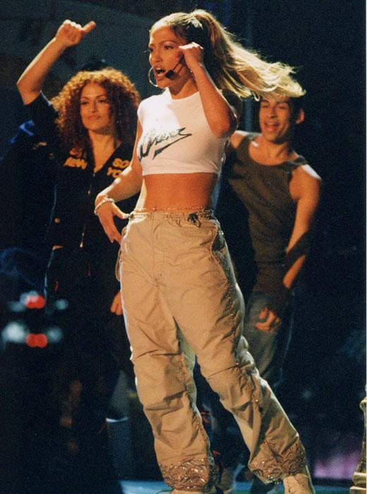 /nick-assets/kca-archive/best-performances/performances-2003-jlo.jpg