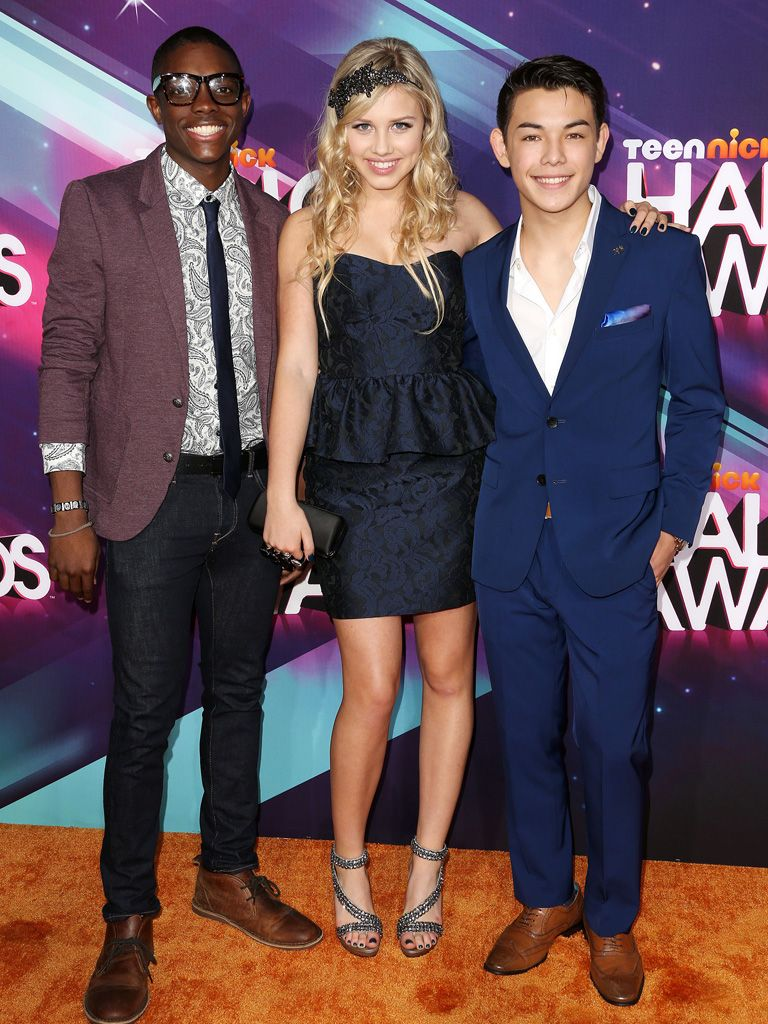 Supah Ninjas|Gracie Dzienny, Ryan Potter, and Carlos Knight put aside their ninja gear to glam it up for the HALO Awards!