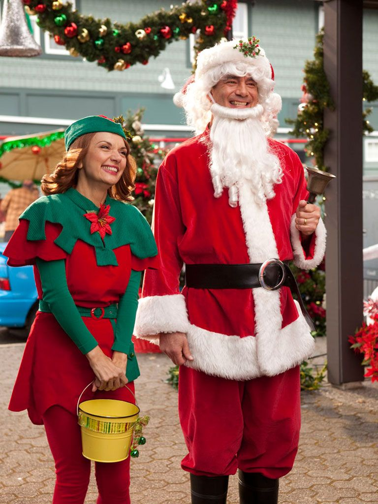 Jolly Mix-Up|Don't be fooled by the Santa and elf look-a-like. To the keen eye, it's obvious that these two are just imposters!