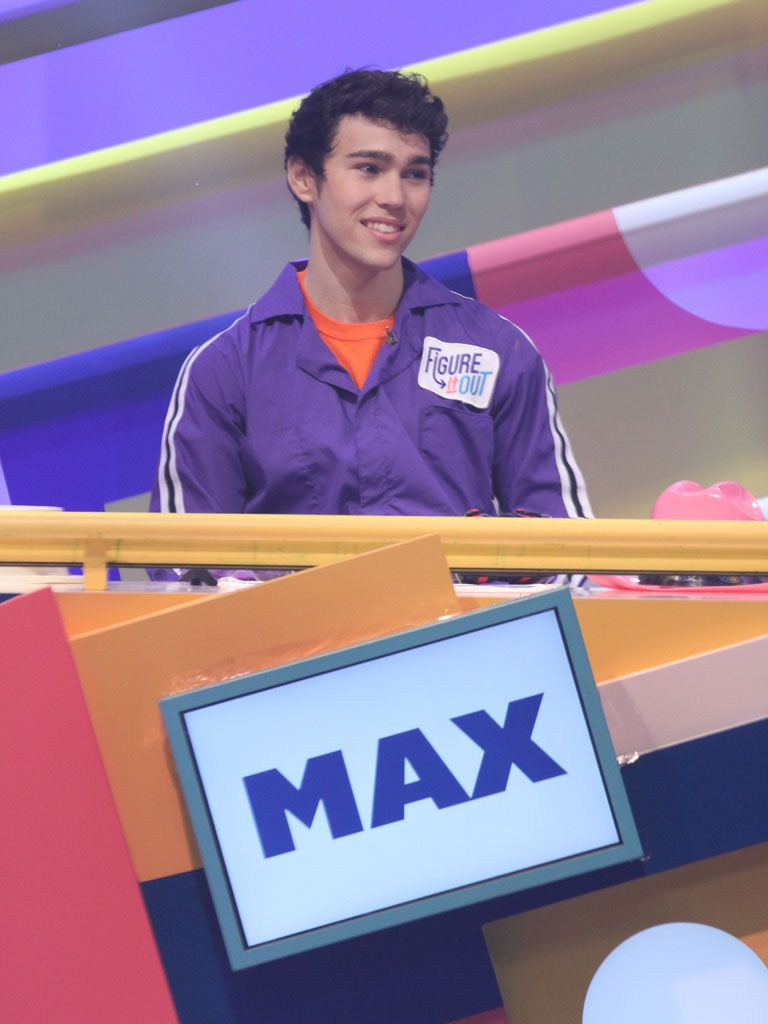 Poor Max|LOL...Max Schneider's facial expression is somewhere between, 