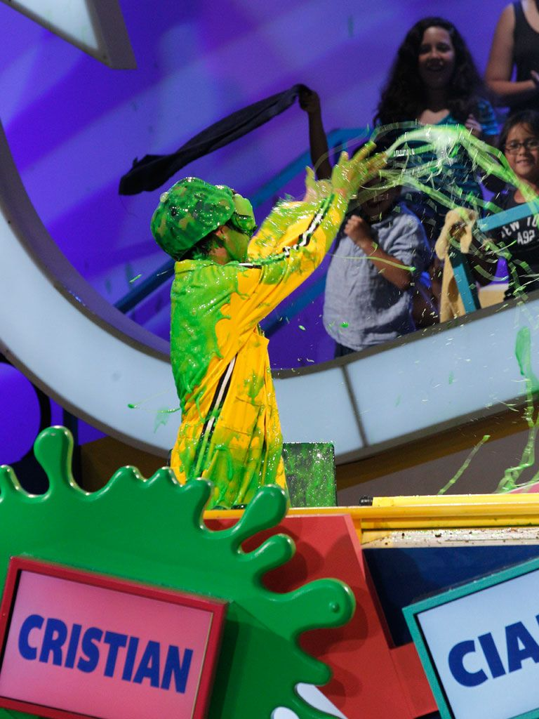 Proud Slimer|This Watch and Win winner got the rights to be a guest panelist alonside our fave stars. And now, he's showing his gratitude by spreading slime love with the rest of the audience!