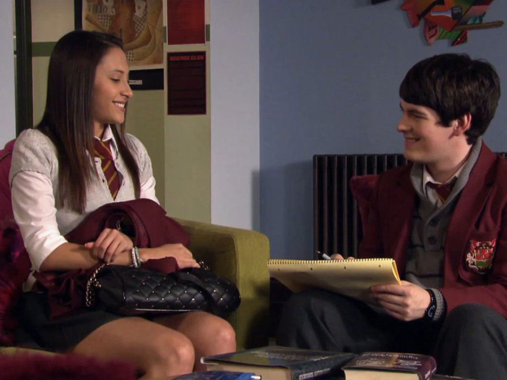 All Smiles|Will 'Jabian' become the new hot couple in the House of Anubis?