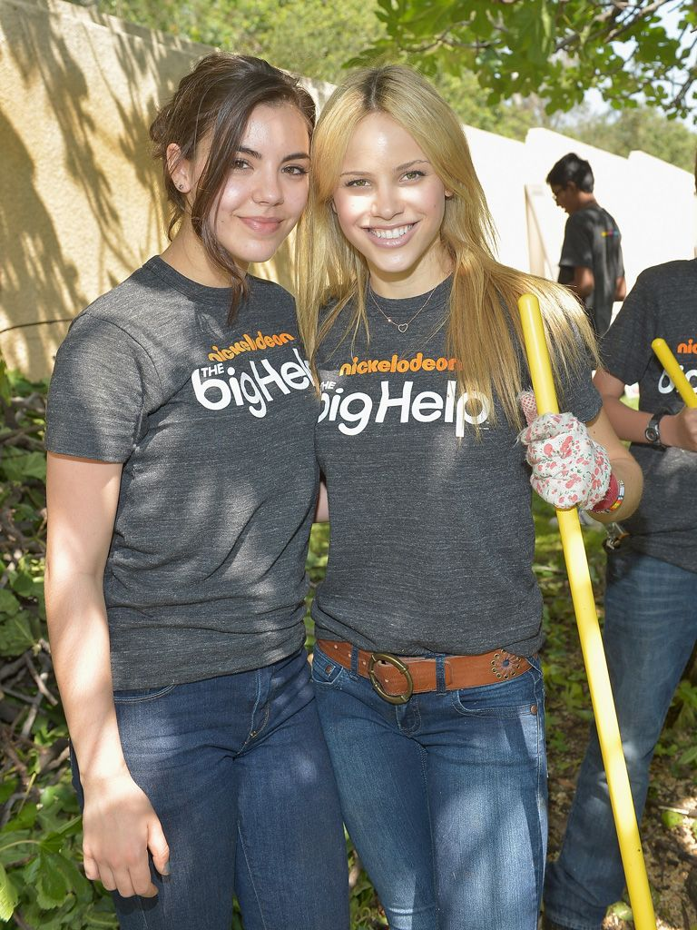 Making the Earth Look Perf|Samantha Boscarino and Halston Sage (AKA the Perfs) got some popularity points with mother earth while helping to plant cherry trees.