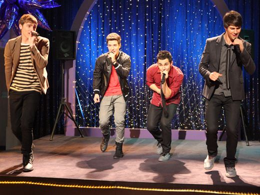 Start the Show!|Cymphonique got the boys of Big Time Rush to perform on stage at her school? Wow. We've gotta know how she pulled this one off, so we can do the same!
