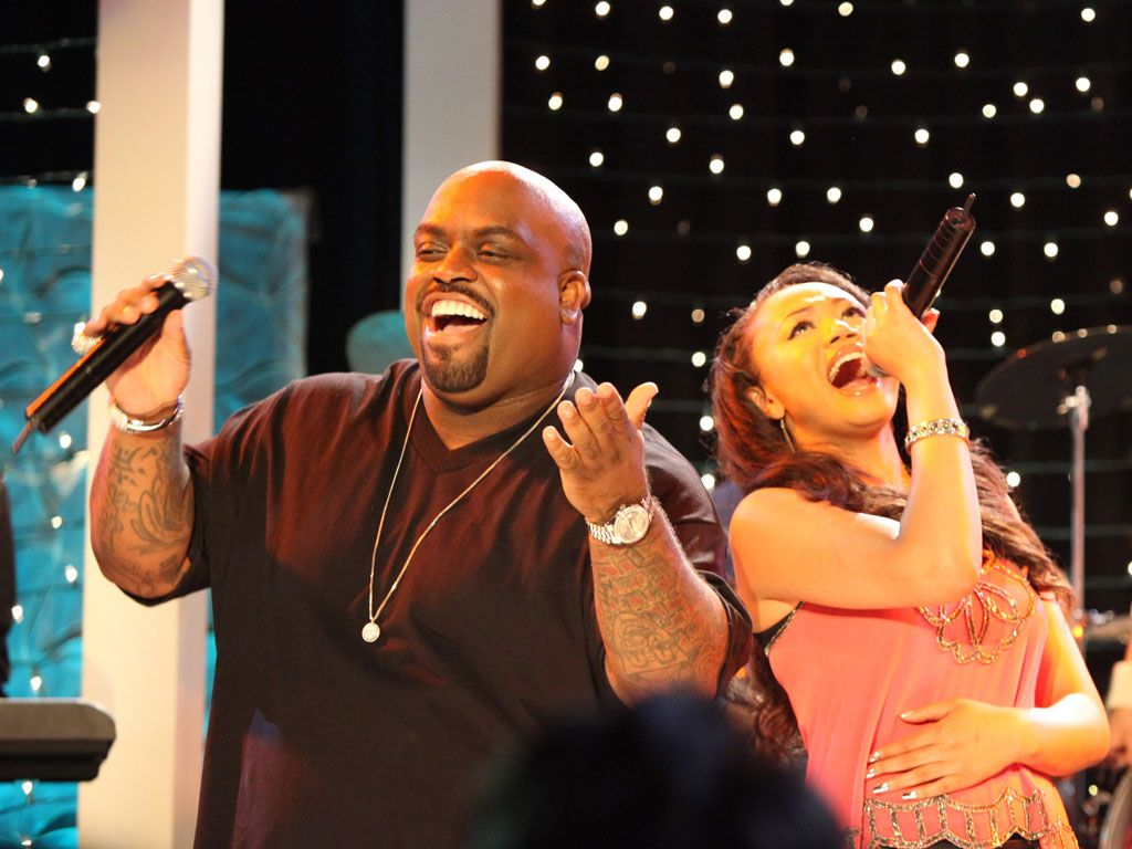 Cee Lo and Kacey Performing|Both Kacey and Cee Lo are belting out some tunes in this photo!