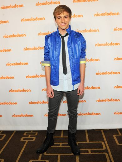 It's FRED?|Oh my gammit, it's Lucas Cruikshank! And he looks HACKING AWESOME! (We almost didn't recognize him without his suspenders).