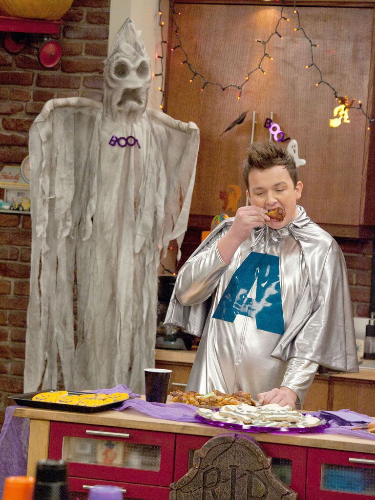Super in Silver|Noah Munck decided to bring some heroism to Halfoween! Wonder if that 'A' stands for aluminum?