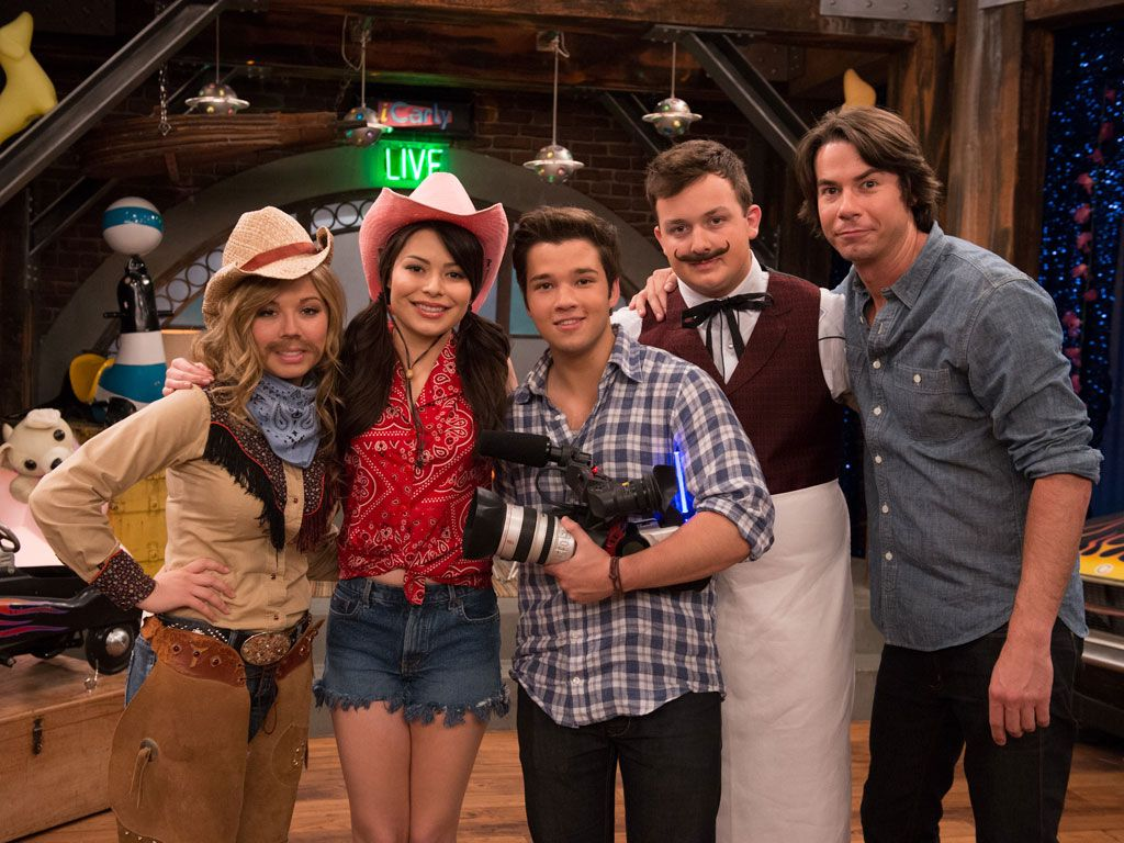 Sweet Goodbyes|From random dancing, to buttery socks and shirtless heroes, this gang has been making us ROTFL since what seems like forever. iCarly...we will miss you! <3