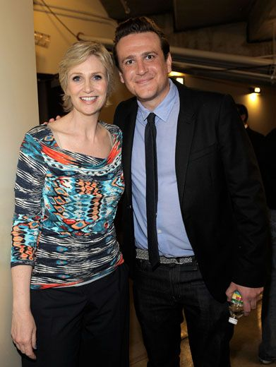 Funny Friends|Jane Lynch and Jason Segel know just how to leave us LOLing. They even cracked some silly slime jokes backstage.