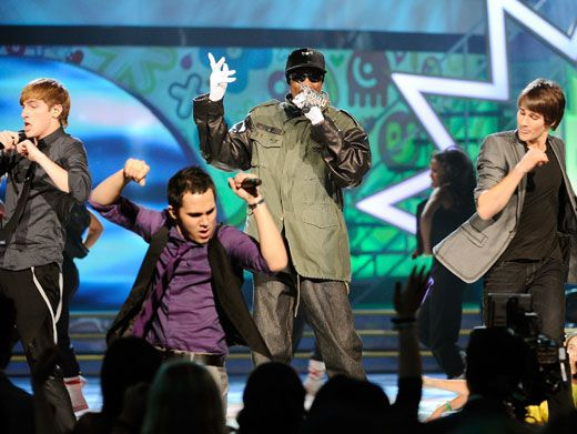 Cool Cameo|Snoop Dogg rocked the (dog)house when he showed up to perform with Big Time Rush on the KCA stage!