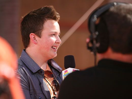 Funky Muncky|Noah Munck is all dressed and ready to play hilarious host on the Orange Carpet!