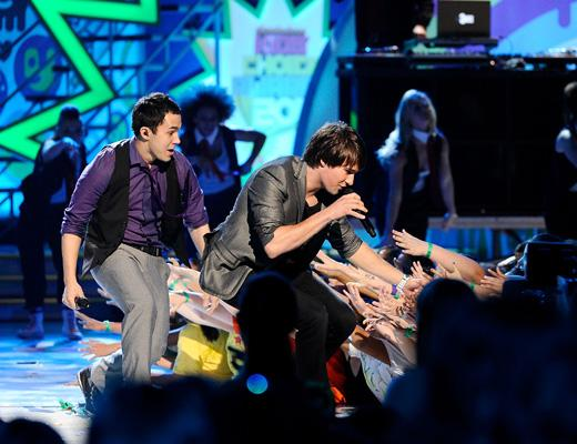 /nick-assets/shows/images/kids-choice-awards-2012/blogs/btr-kca-video-2.jpg
