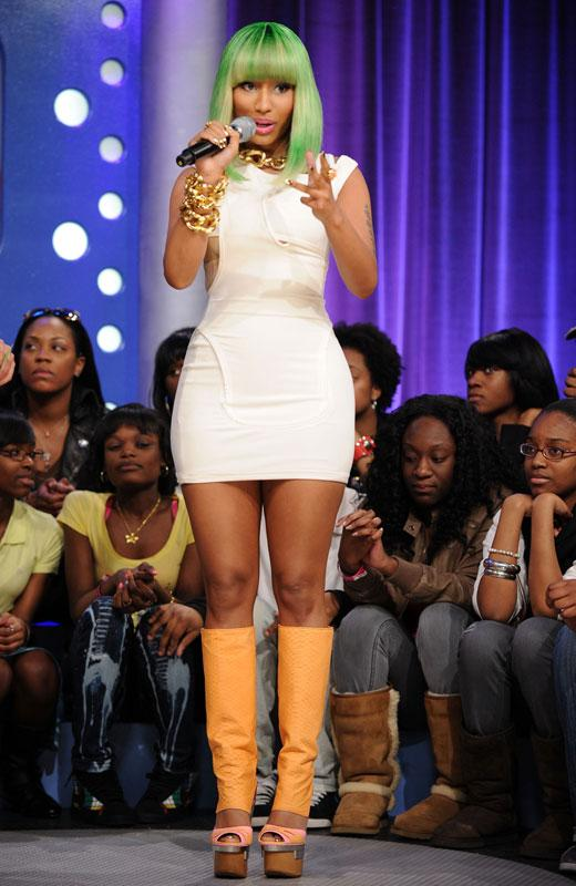 /nick-assets/shows/images/kids-choice-awards-2012/blogs/nicki-minaj-shoes-2.jpg