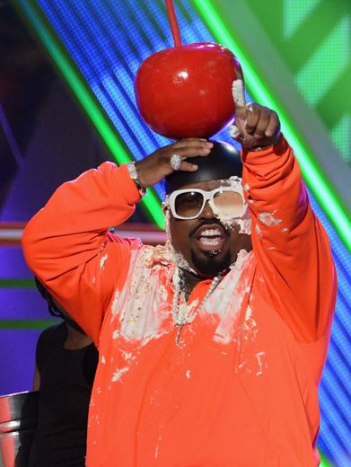 KCA 2012: Cee-Lo Green Gets His Dessert!|...With a cherry on top! Doesn't he look sweet? Sorry Cee-Lo, when your last name is Green, there's no avoiding it...you're getting the KCA treatment!