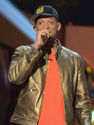 KCA 2012: Golden Host|Will Smith did an amazing job at hosting the KCAs. And after all the slime and wardrobe changes, he deserves a gold blimp to go with that slime-free gold jacket.