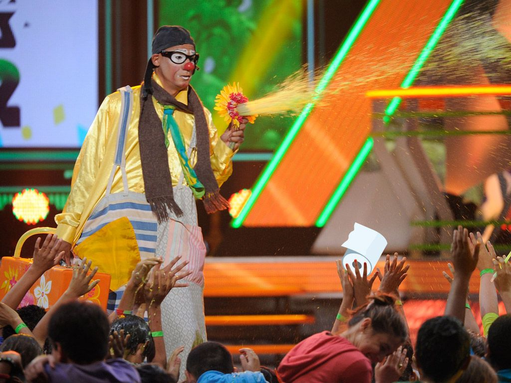 March Showers Bring Slime Flowers|We know no better way to cool off during an action-packed awards show than this. And of course, front row = best seats in the slime-house.