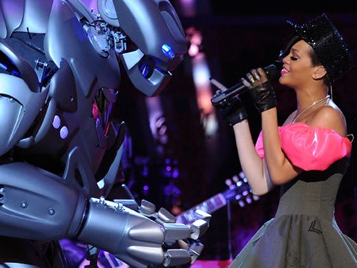 Rihanna's KCA Medley|Just when you thought Rihanna's performance couldn't get any cooler, giant dancing robots take the stage.