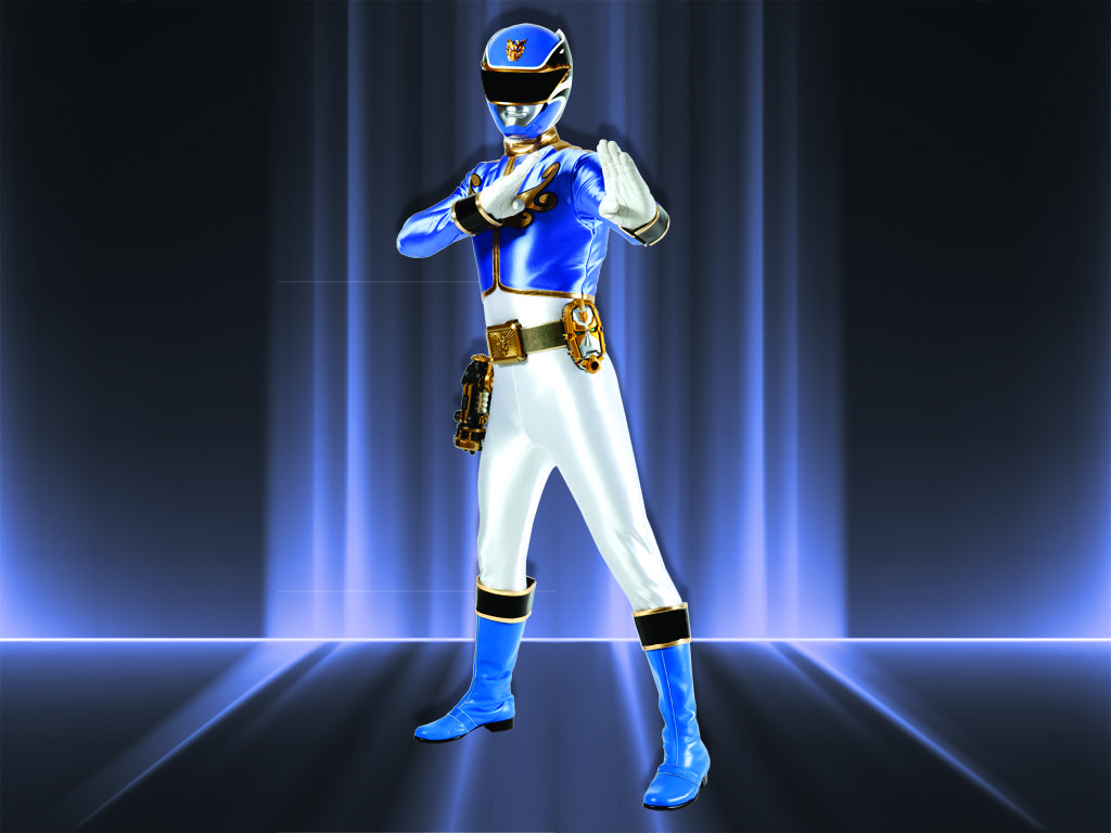 Megaforce Blue Ranger|Noah Carver doesn't care that he'll never be Prom King. He's much more interested in using his blockbuster brain to change the world.
