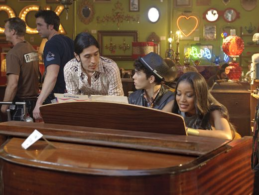 Piano Man|Our star duo gets some tips on the number they're about to crank out on that baby grand!