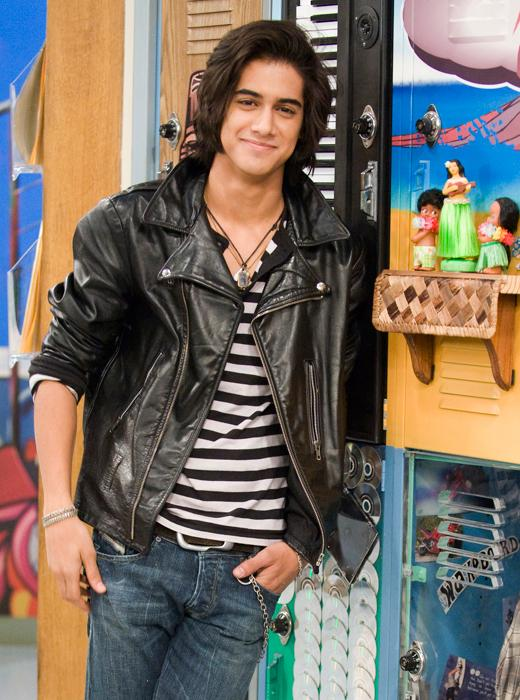 /nick-assets/shows/images/star411/blogs-3/fashion-friday-avan-how-to-cool.jpg