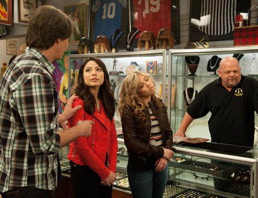 /nick-assets/shows/images/star411/blogs-3/icarly-ipawn-bts-3.jpg