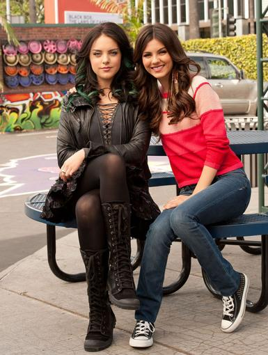 http://images2.nick.com/nick-assets/shows/images/victorious/flipbooks/blonde-squad/blonde-squad-01.jpg?height=510&width=385&quality=0.75