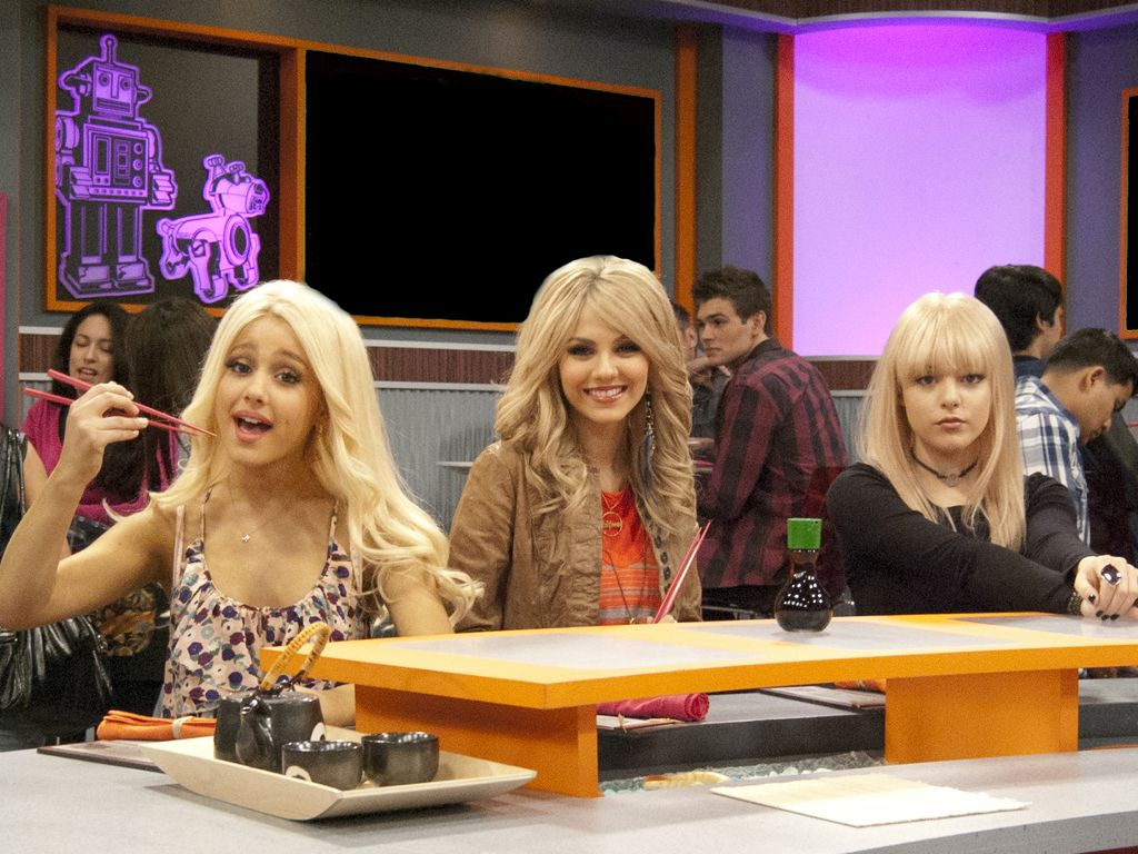 Tori's Angels|What do you think, do the girls look better blonde or brunette?? So hard to choose!