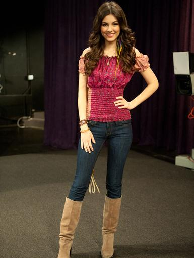 http://images2.nick.com/nick-assets/shows/images/victorious/flipbooks/blonde-squad/blonde-squad-05.jpg?height=510&width=385&quality=0.75