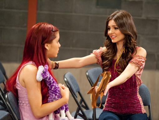http://images2.nick.com/nick-assets/shows/images/victorious/flipbooks/blonde-squad/blonde-squad-09.jpg?height=385&width=510&quality=0.75