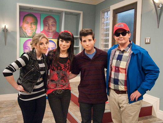 Double Take|After HOURS in the makeup chair, the cast of iCarly is hardly recognizable. Can you tell who's who?!